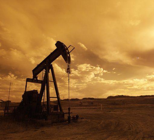 těžba ropy, zdroj: Pixabay
