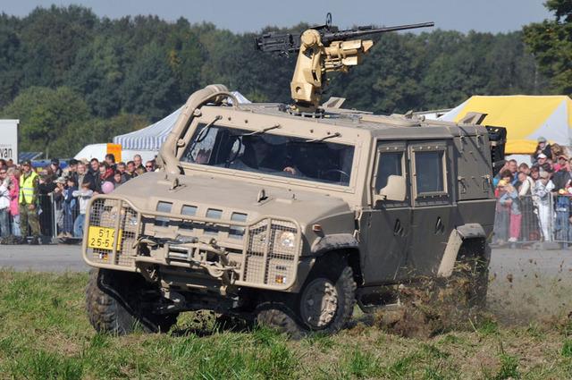 NKÚ těžce tepe armádu za peníze na údržbu techniky