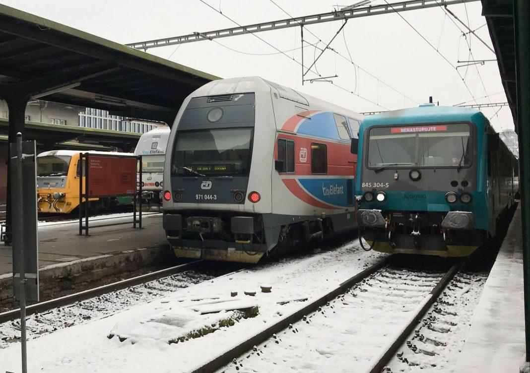 vlaky, nádraží, železnic