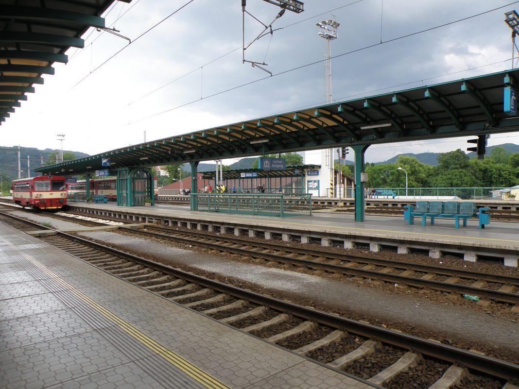 vlak, stanice, nádraží, železnice